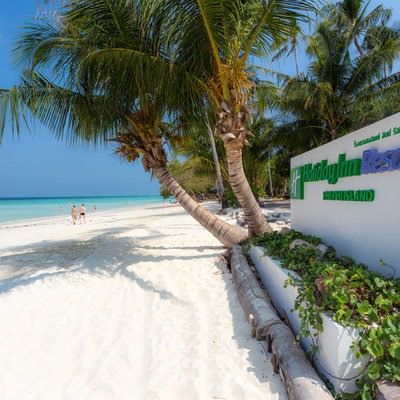 Phi Phi Islands Holiday Inn resort, a home in tropical paradise